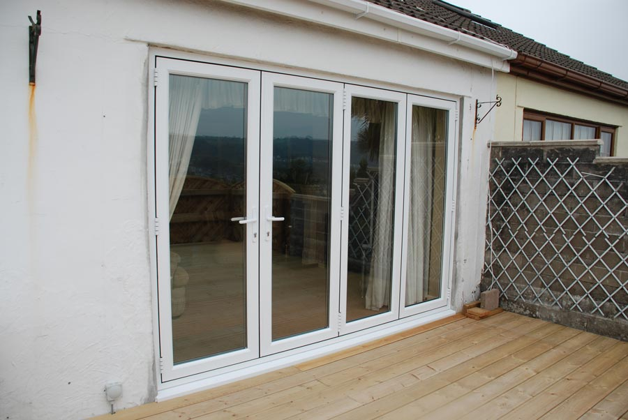 Closed bifold door